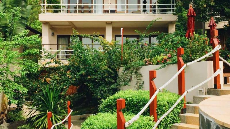 Walkway-by-the-pool-lotus-II